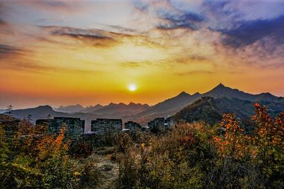 Watch Sunrise on the Great Wall